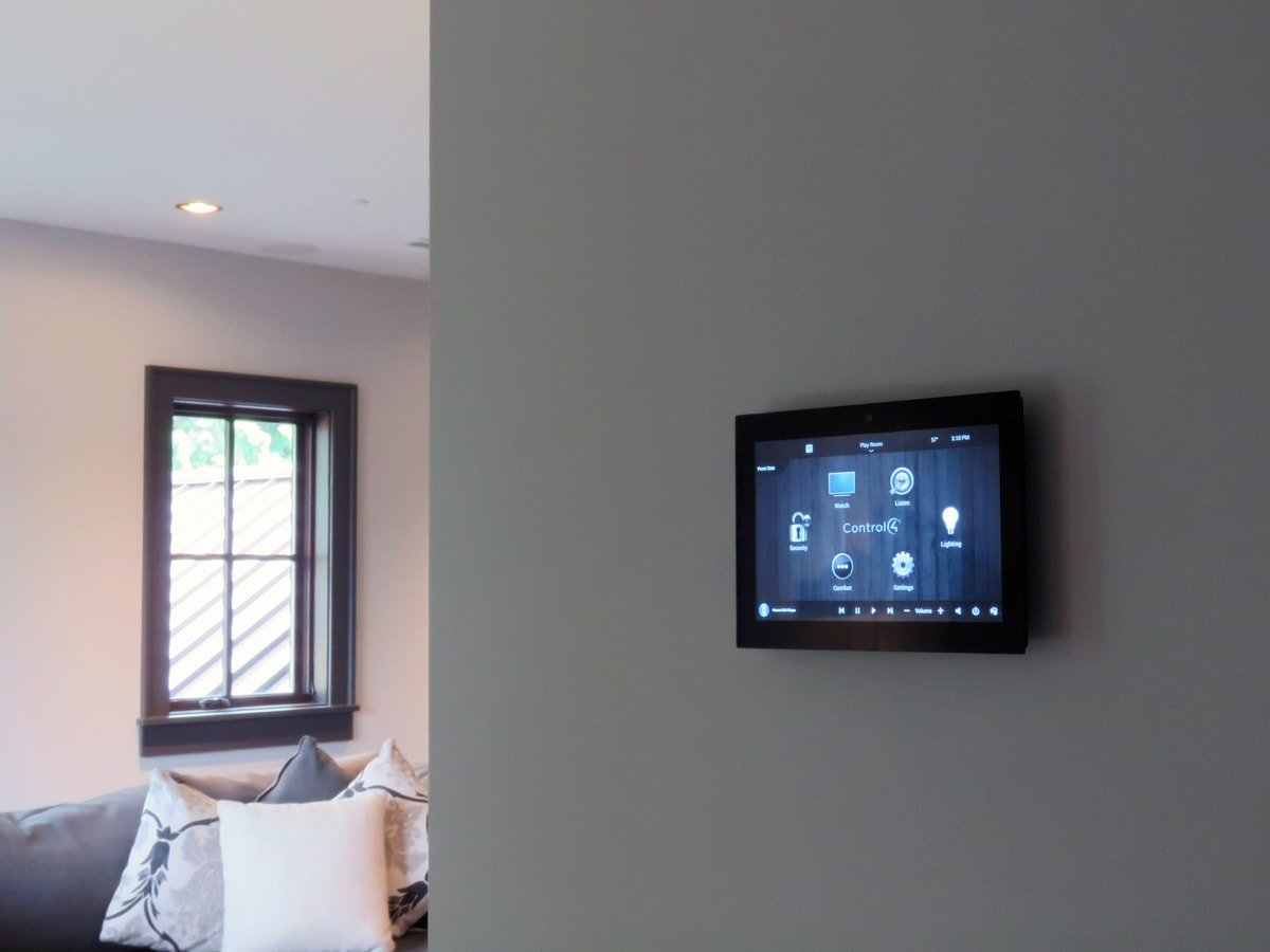 Family & Entertainment Based Solutions for Lakeside Home 37