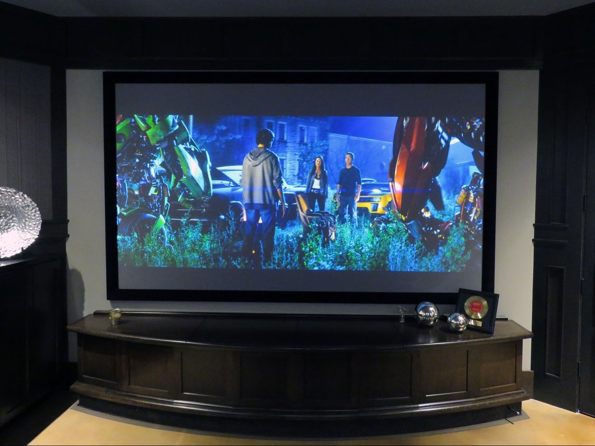 Family & Entertainment Based Solutions for Lakeside Home 3
