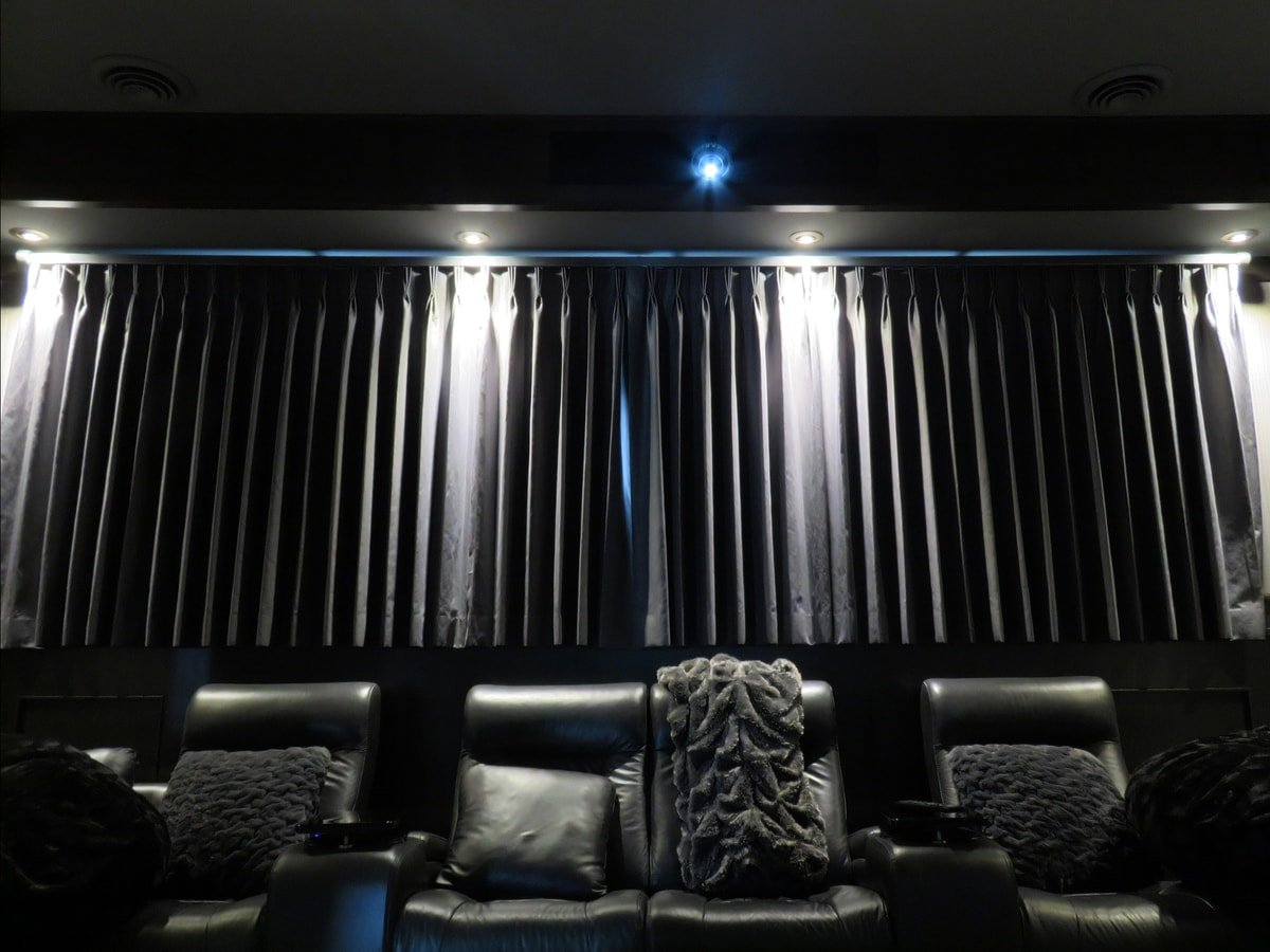 Family & Entertainment Based Solutions for Lakeside Home 6