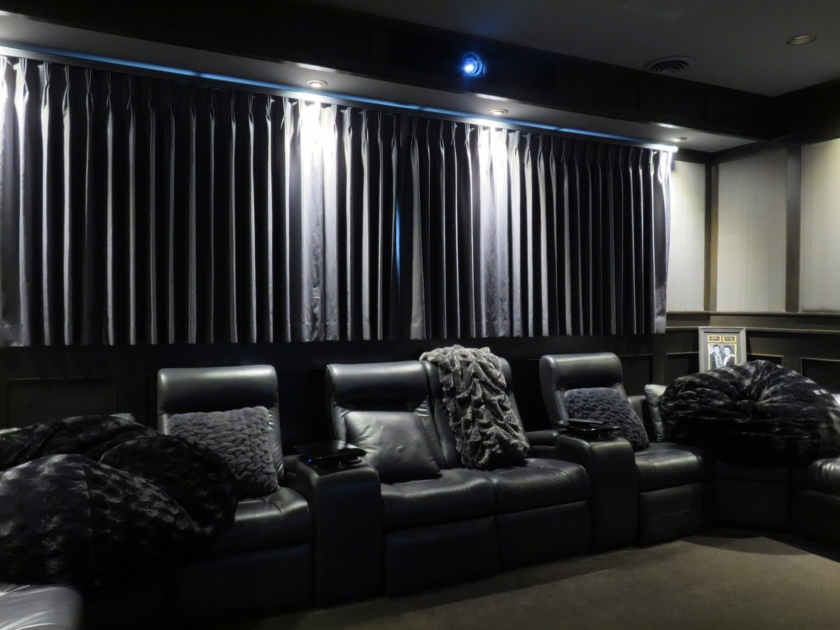 Family & Entertainment Based Solutions for Lakeside Home 5