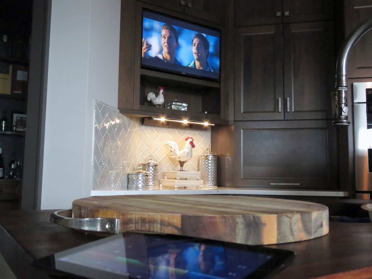 Family & Entertainment Based Solutions for Lakeside Home 31
