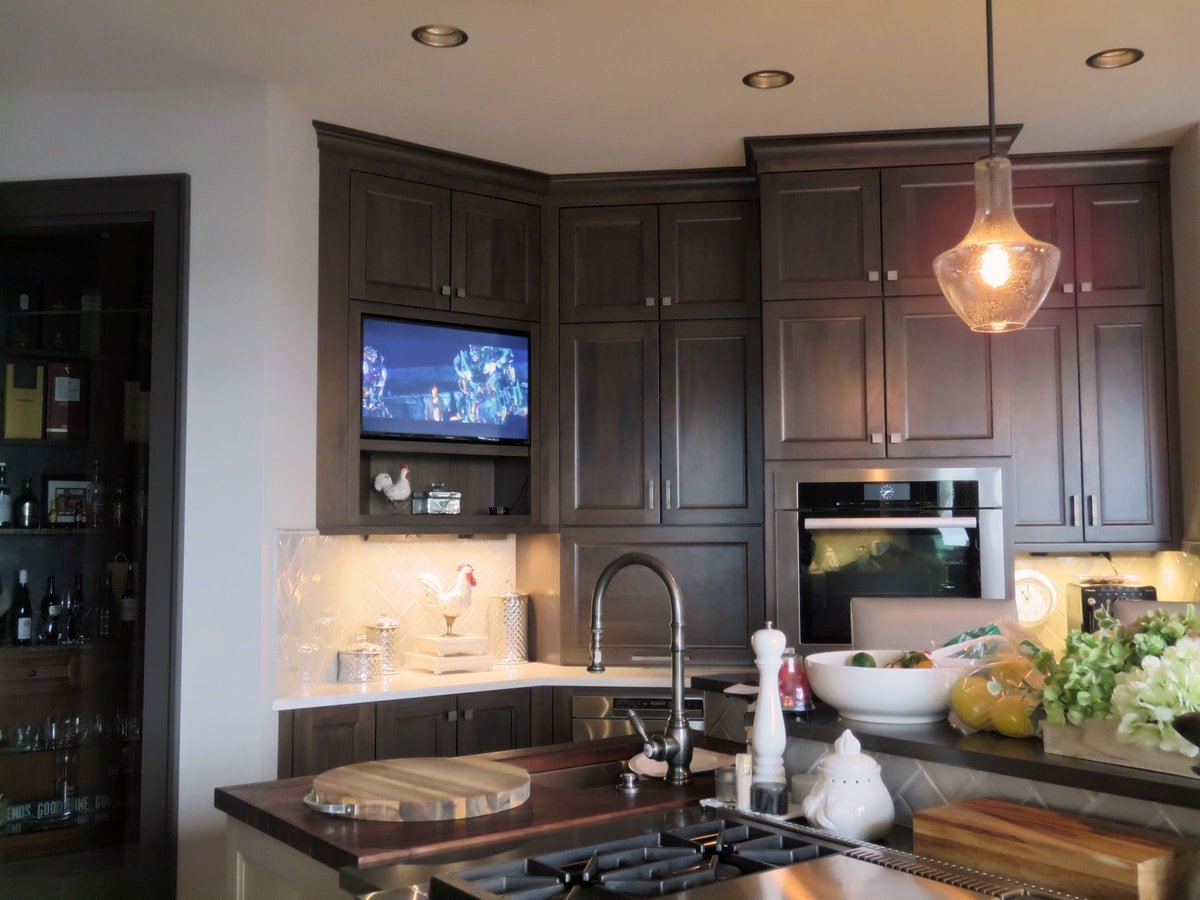 Family & Entertainment Based Solutions for Lakeside Home 29