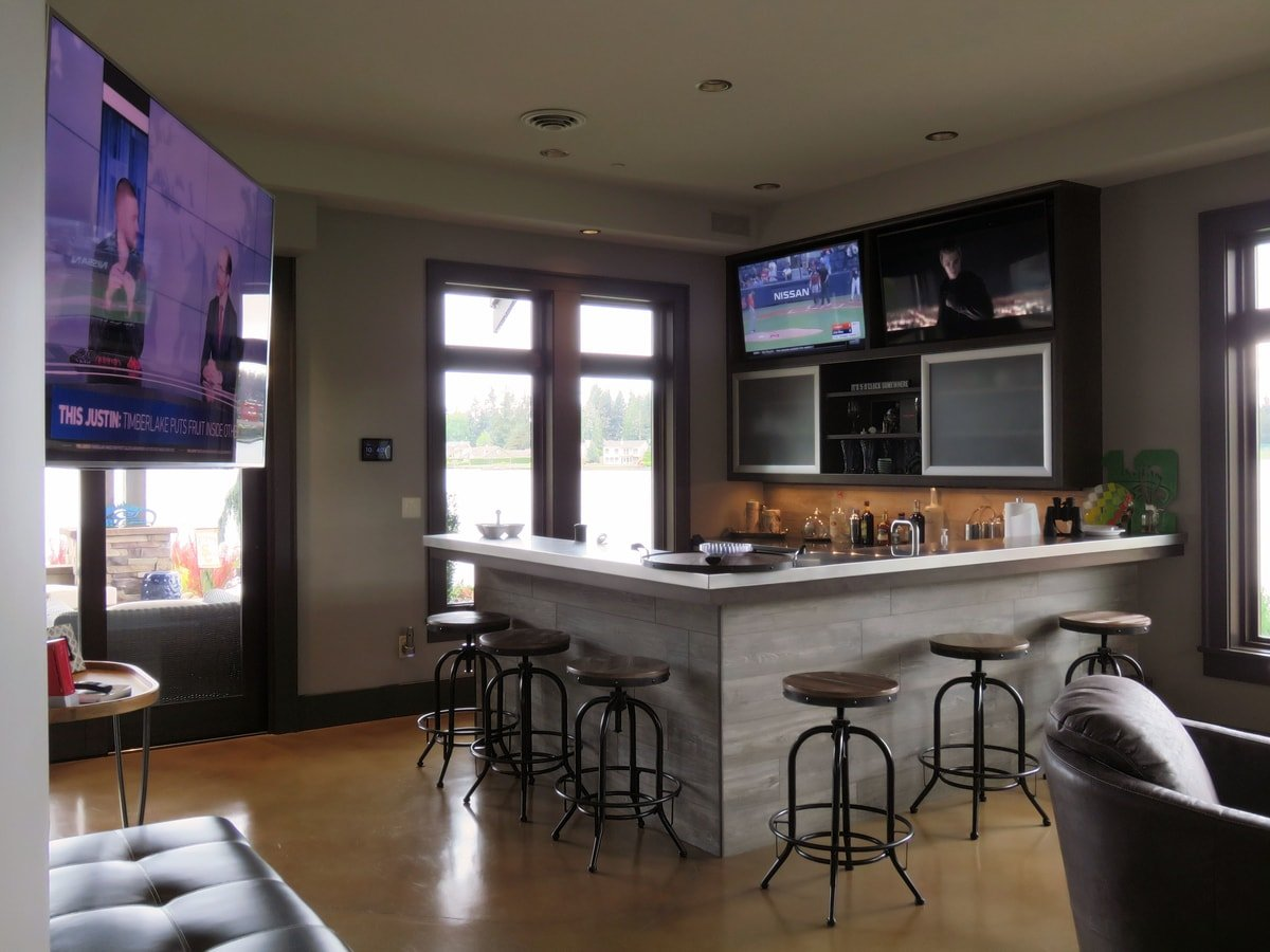 Family & Entertainment Based Solutions for Lakeside Home 44