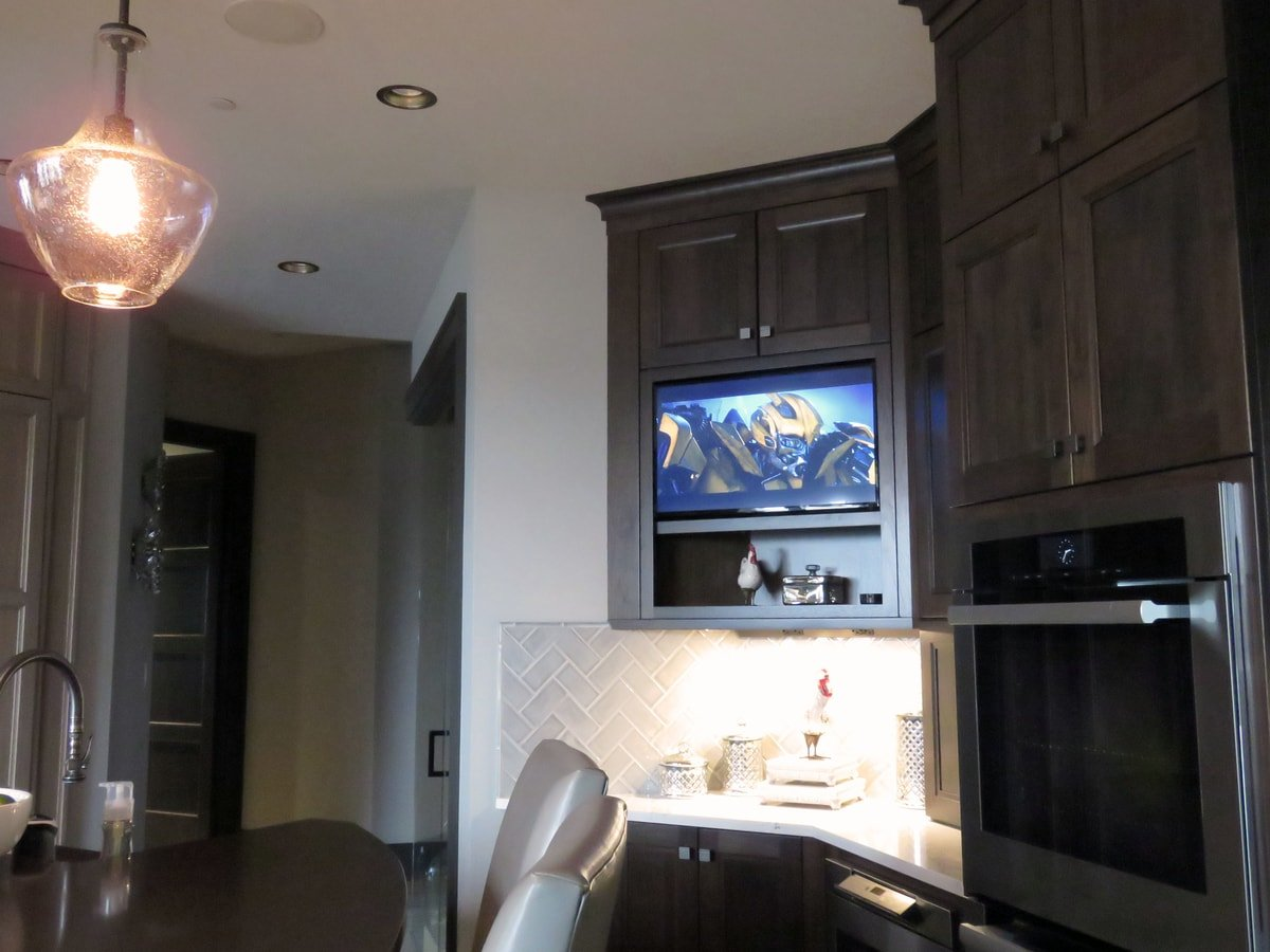 Family & Entertainment Based Solutions for Lakeside Home 28