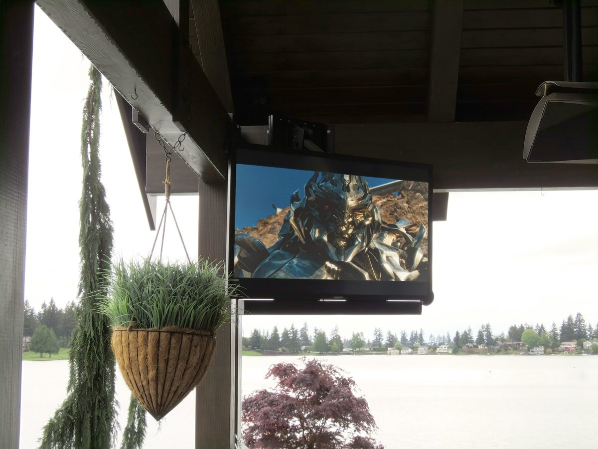 Family & Entertainment Based Solutions for Lakeside Home 41