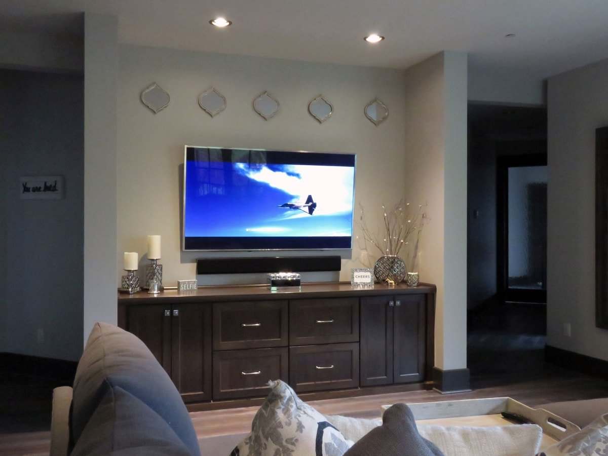 Family & Entertainment Based Solutions for Lakeside Home 34