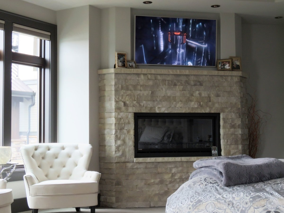 Family & Entertainment Based Solutions for Lakeside Home 45